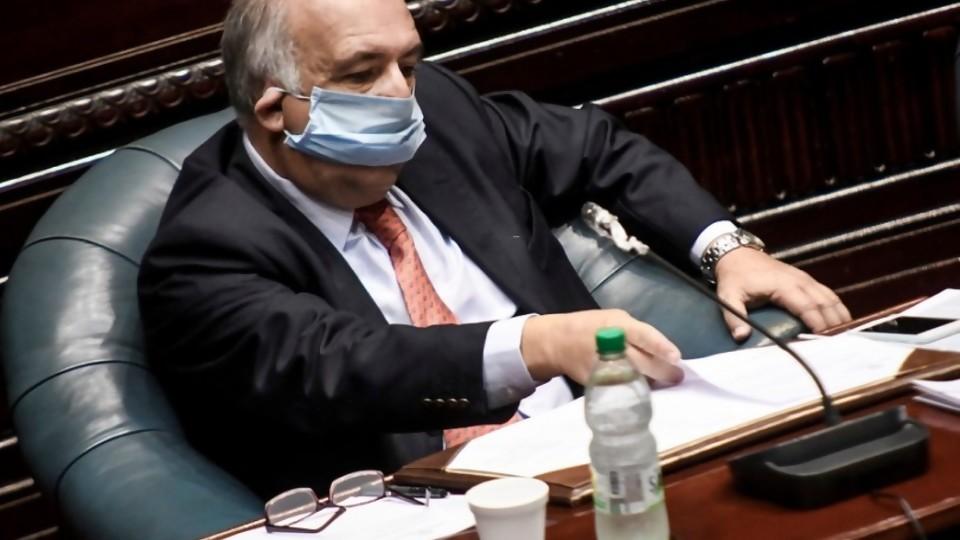 Las incertezas de la app Coronavirus UY y el cuplé en el Parlamento sobre Campiglia —  NTN Concentrado — No Toquen Nada | El Espectador 810