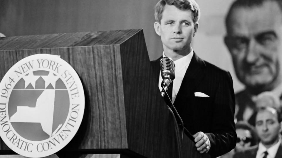Bobby Kennedy, el hermano que jugaba mejor —  Gabriel Quirici — No Toquen Nada | El Espectador 810
