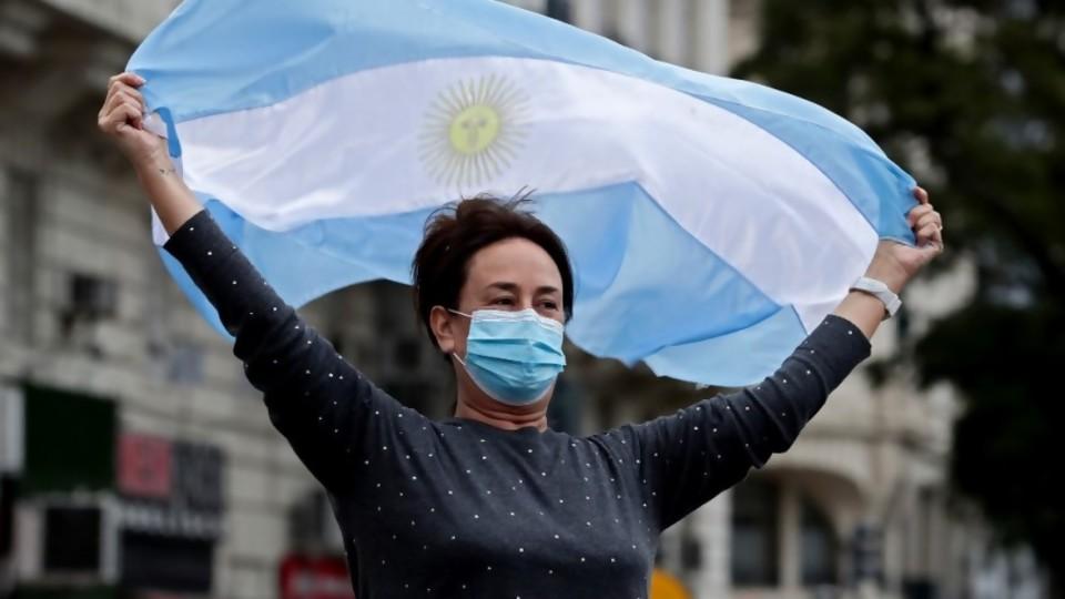 Argentina: cuarentena, hastío y crisis económica —  Facundo Pastor — No Toquen Nada | El Espectador 810