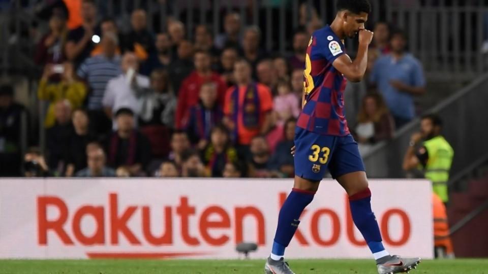 Darwin pregunta si hay marcha atrás con el regreso del fútbol por Araújo en el Barça —  Darwin - Columna Deportiva — No Toquen Nada | El Espectador 810