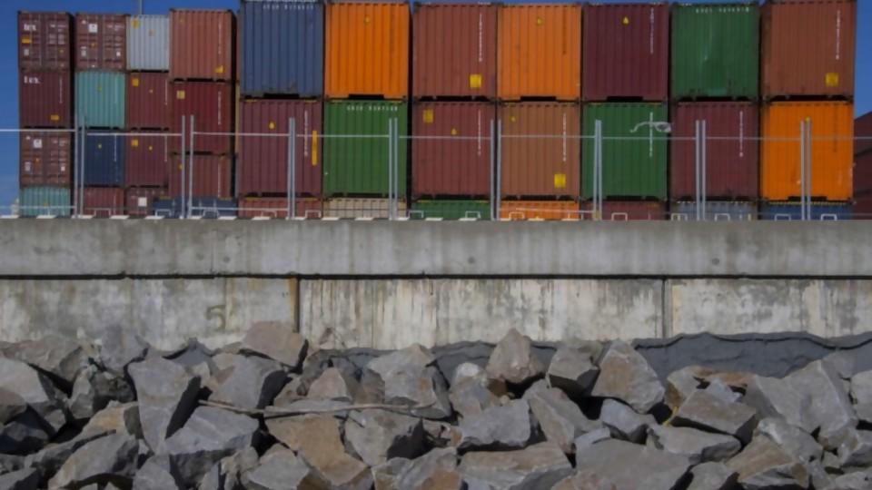 Gobierno buscará ganar competitividad bajando aranceles —  Informes — No Toquen Nada | El Espectador 810