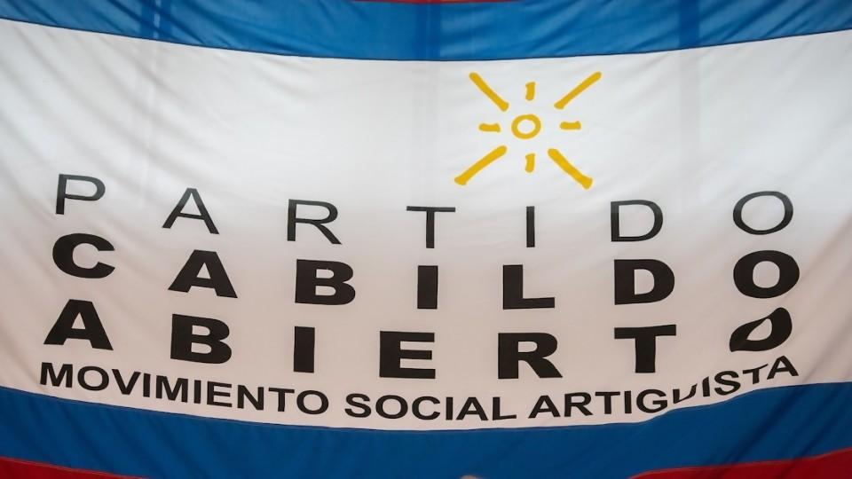 Cabildo Abierto, violación a la ley de financiamiento y silencio del resto del sistema político —  Departamento de Periodismo de Opinión — No Toquen Nada   El Espectador 810