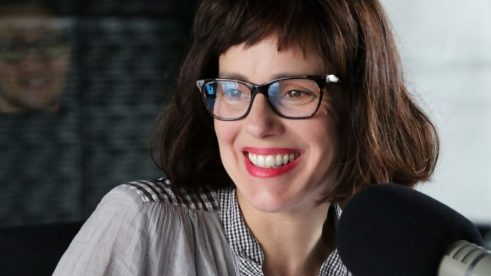 Una guía del perfecto ridículo —  Ines Bortagaray — No Toquen Nada   El Espectador 810