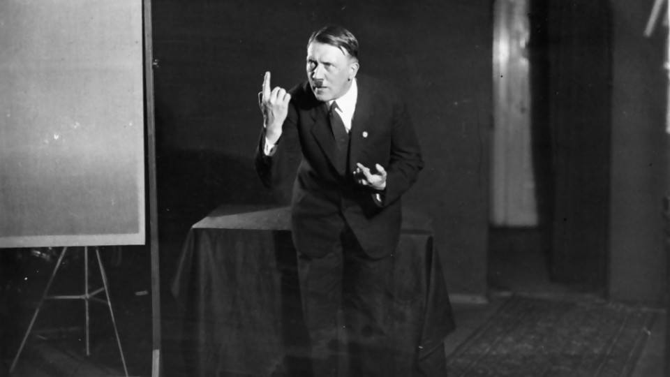 "Heinrich Hoffman, ""el fotógrafo de Hitler"" —  Leo Barizzoni — No Toquen Nada   El Espectador 810"