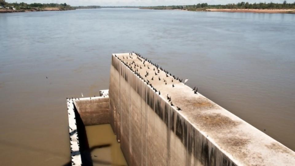 El gobierno insiste en un anuncio sin datos: navegabilidad del río Uruguay —  Departamento de Periodismo de Opinión — No Toquen Nada | El Espectador 810