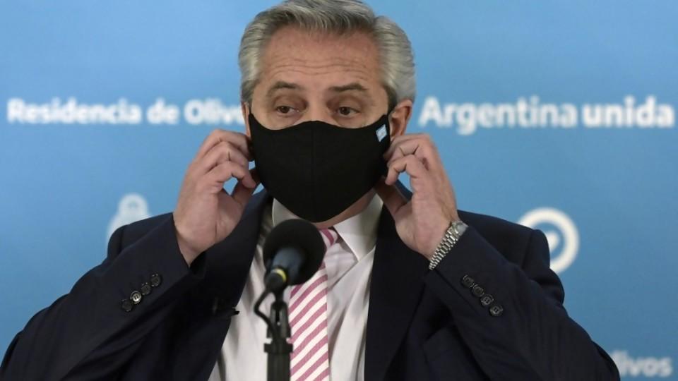 La relación entre ética, milico y la hidroxicloroquina y Argentina se prende fuego  —  Columna de Darwin — No Toquen Nada | El Espectador 810