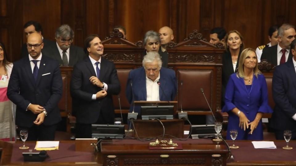 El cruce entre Lacalle Pou y Mujica, y la columna de Pedro Ravela tras fin de cursos  —  NTN Concentrado — No Toquen Nada | El Espectador 810