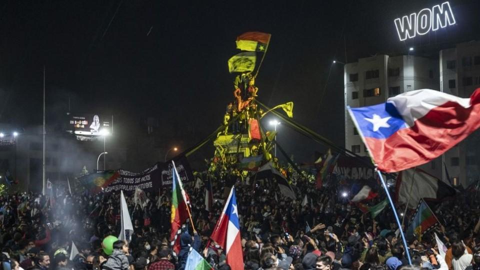¿Por qué los chilenos decidieron cambiar la Constitución? —  Claudio Fantini — Primera Mañana | El Espectador 810