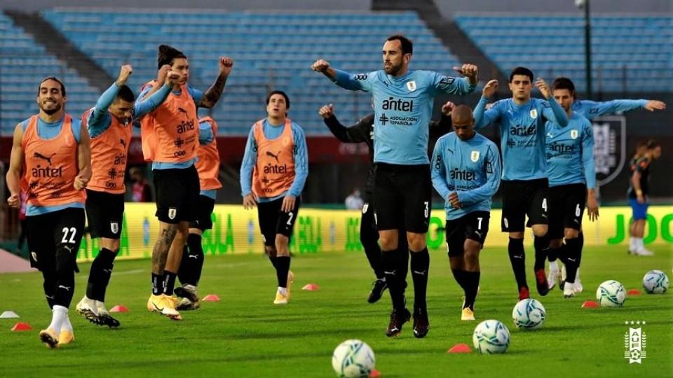 Suárez asumió la responsabilidad de los jugadores en los casos positivos en la selección —  Deportes — Primera Mañana | El Espectador 810