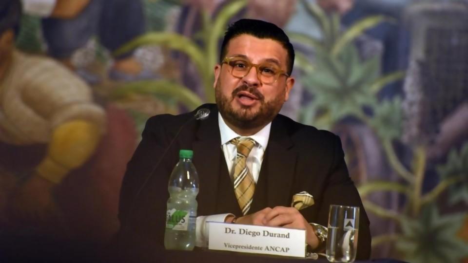 """Diego Durand: """"no acuso recibo del planteo de que esto es un desmantelamiento de ANCAP"""" —  Entrevistas — Al Día 810   El Espectador 810"""
