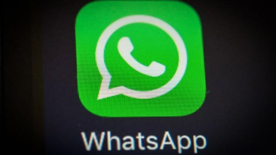 Lacalle y el avión del vendedor de Hawaianas y los cambios de privacidad en whatsapp —  NTN Concentrado — No Toquen Nada | El Espectador 810