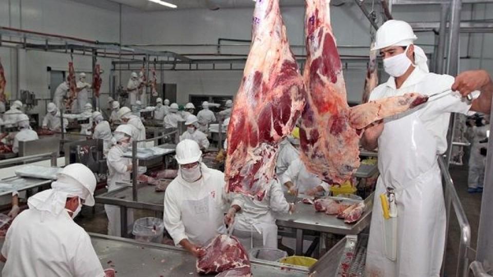 Industria frigorífica y trabajadores encontraron ''el punto'' en las compensaciones —  Economía — Dinámica Rural | El Espectador 810