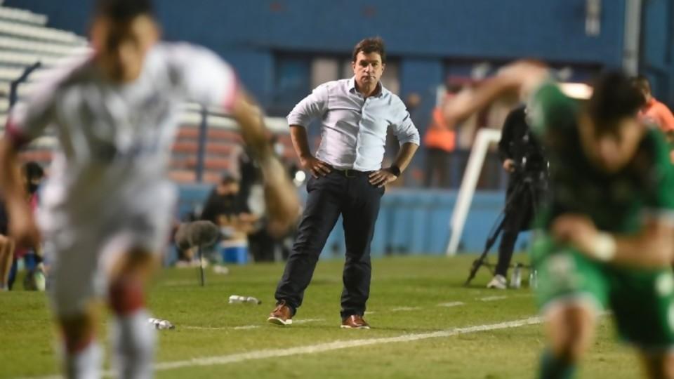 Gioridiola volvió a su táctica Ghandi: se deja pegar —  Darwin - Columna Deportiva — No Toquen Nada | El Espectador 810