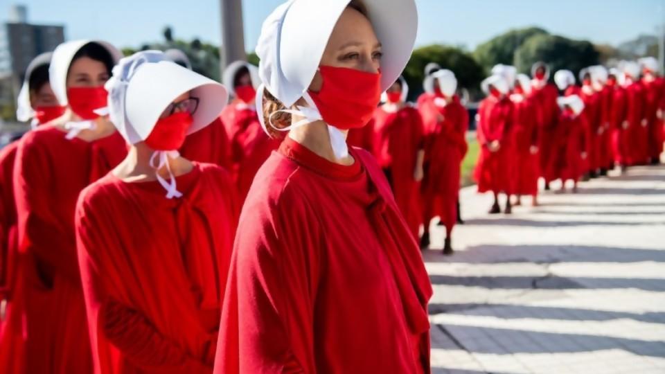 Feminismos y cristianismos —  Nicolás Iglesias — No Toquen Nada | El Espectador 810
