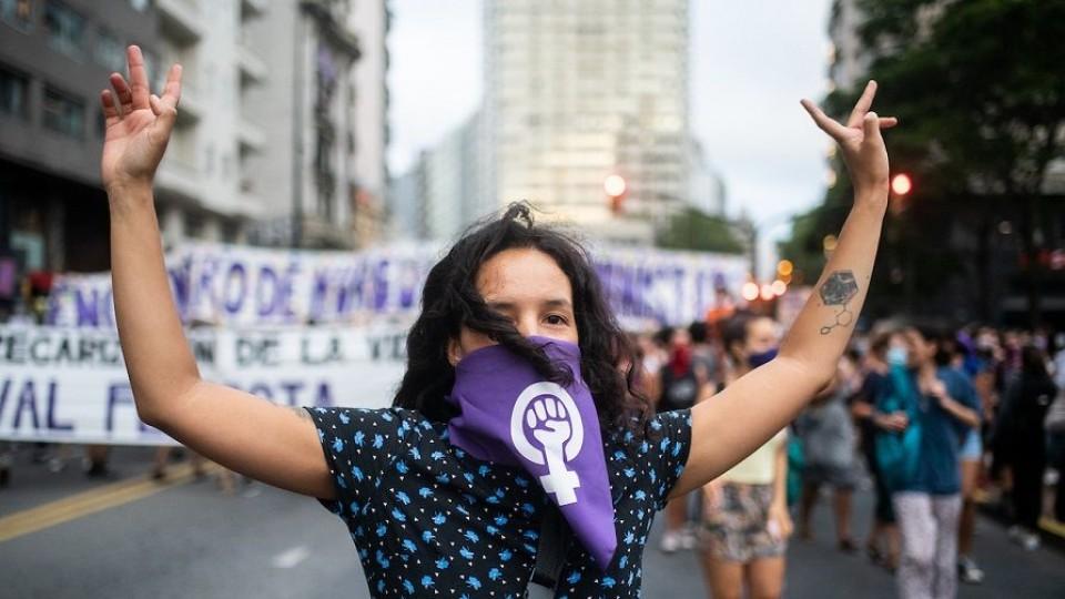 """Lilián Abracinskas: """"No queremos volver para atrás y los discursos se tienen que respaldar con recursos"""" —  Entrevistas — Al Día 810   El Espectador 810"""