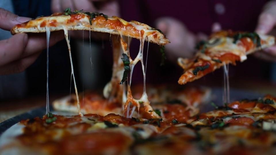Pizza cuarentenera —  Las recetas de Sofi — Bien Igual | El Espectador 810