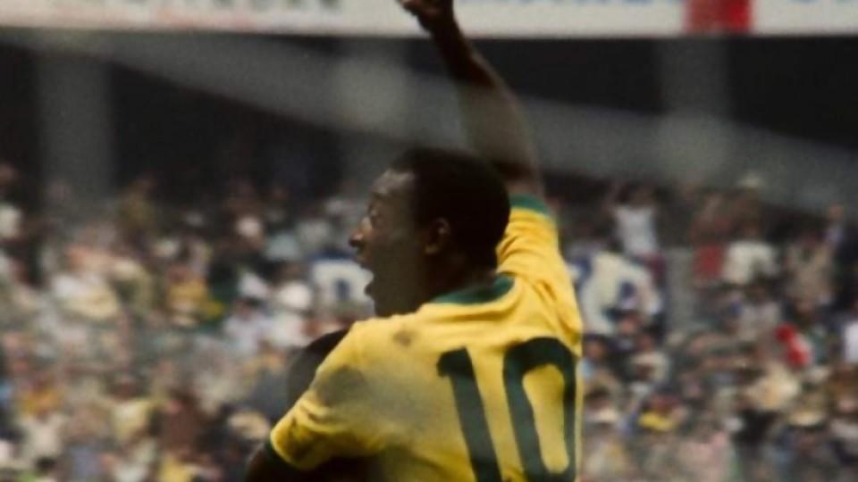 Pelé: la gloria deportiva y las críticas por su postura fuera del campo —  Diego Muñoz — No Toquen Nada | El Espectador 810
